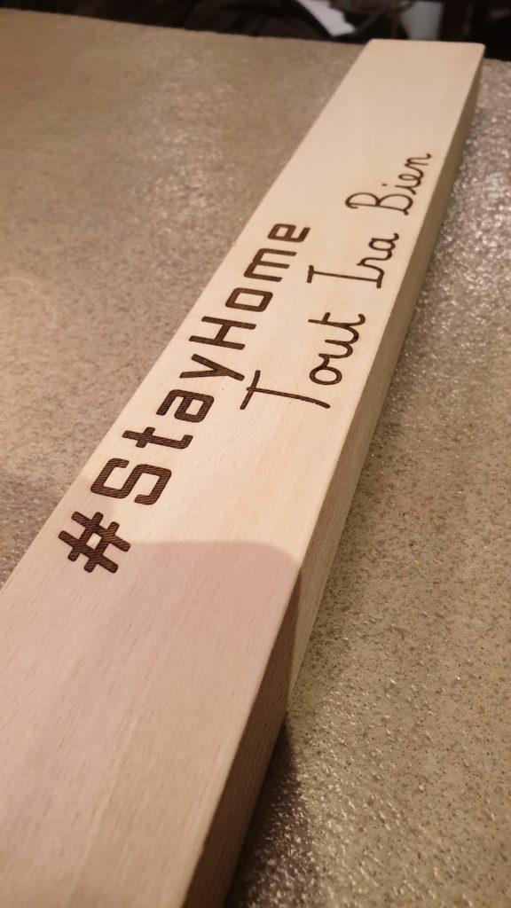 Le panneau #StayHome